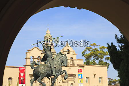 the el cid sculpture by artist