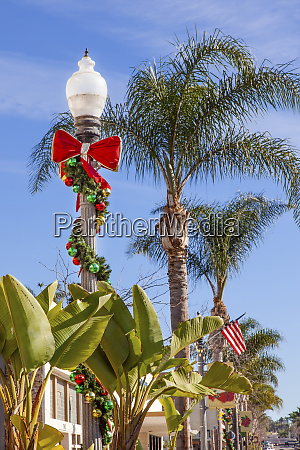 christmas lantern street light decorations banana