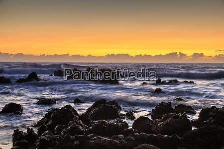 sunrise at laupahoehoe beach park hamakua