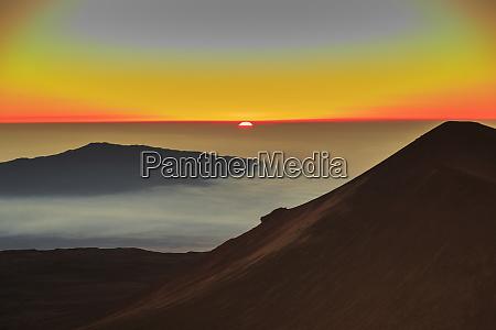 summit area of maunakea big island