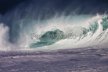 usa hawaii oahu large waves along