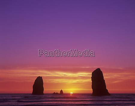or oregon coast cannon beach seastacks