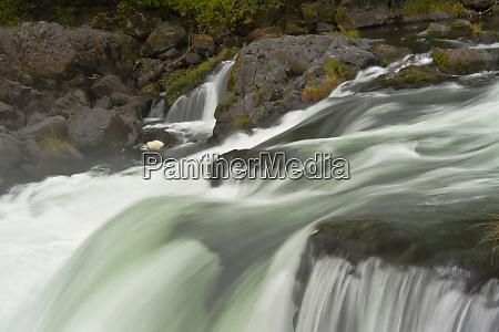 autumn deadline falls north umpqua river