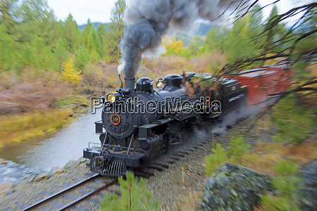 steam train at sumpter oregon