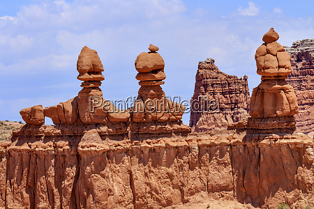 three sisters hoodoos goblin valley state