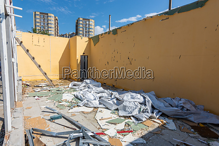 dismantling the building walls lack of