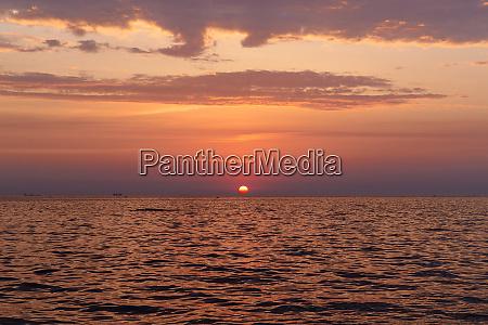 amazing sea sunrise