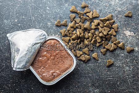 wet pet food cat or dog