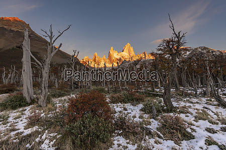 mountain range with cerro torre and