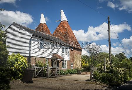 oasthouse in kent uk