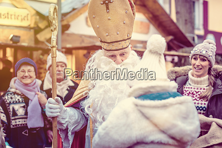st nikolaus and an extended family