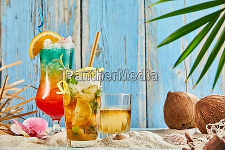 ice cold summer drinks and cocktails