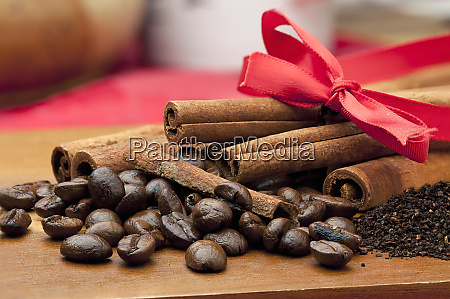 mixture of coffee beans and cinnamon