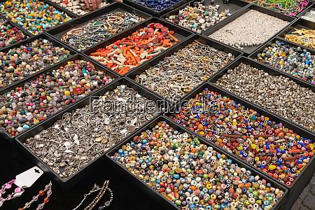 bijoux crafts trays