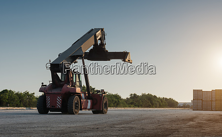 forklift handling no container