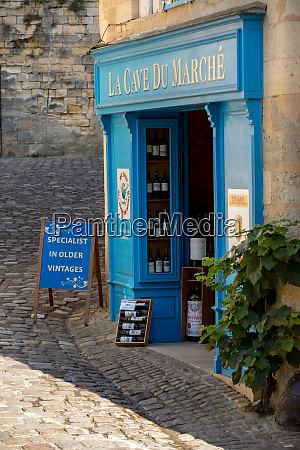 exterior of a wine shop in