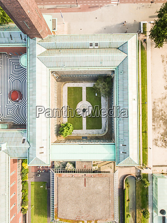 aerial view of yard in the