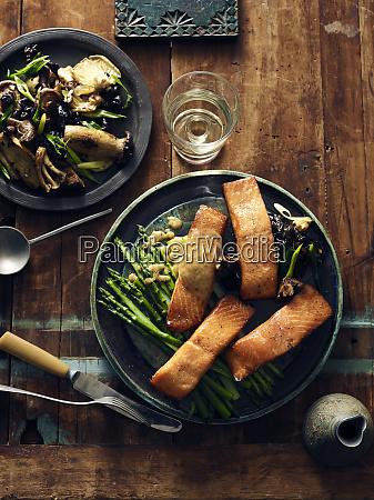 smoked salmon horseradish and creamed vegetables