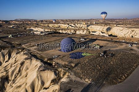 hot air balloon over goereme cappadocia