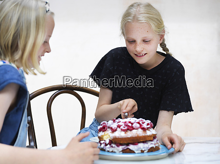 girl, and, her, sister, slicing, their - 27462613