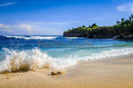 dream beach nusa lembongan island bali