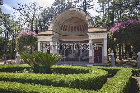 architecture of villa giulia in palermo
