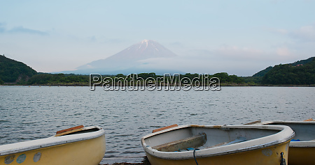 shojiko with mountain fujisan in japan