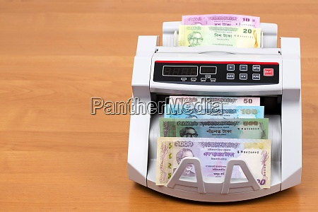 money from bangladesh in a counting