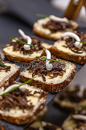 tidbits with truffel spiced butter