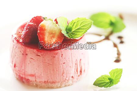 fancy strawberry cake