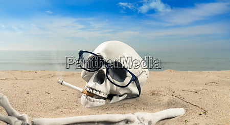 concept about cigarette addiction a skeleton