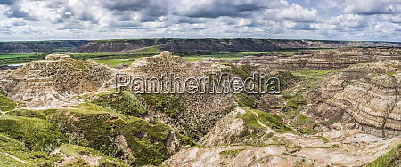 horse thief canyon in the canadian
