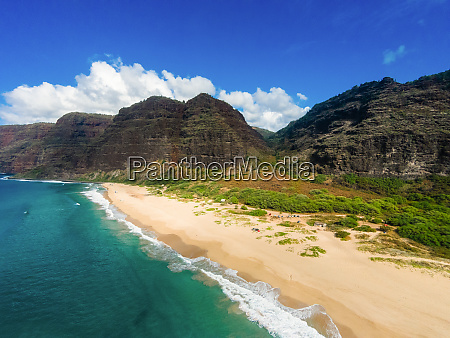 aerial view of polihale state beach