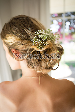 close up of bride blond hair