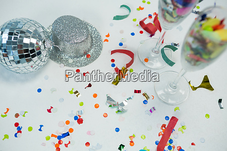 mirror ball with silver hat decorations