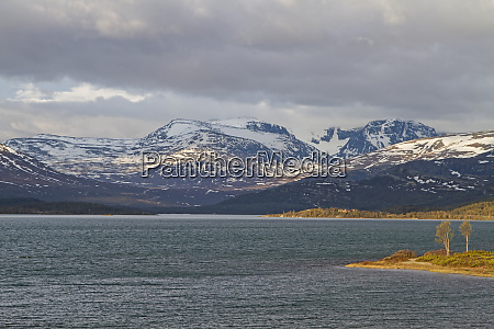 sjodalsvatnet on the mountain plateau of