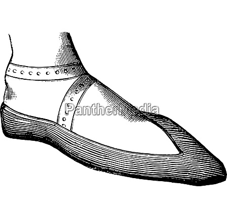 womans shoe in the twelfth century