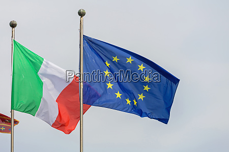 flags italy eu