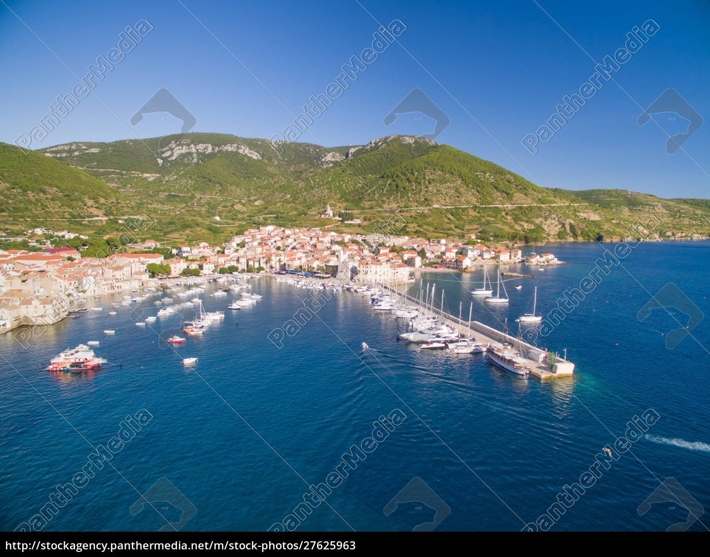 aerial, view, of, boats, docked, in - 27625963