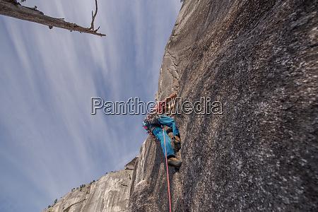 rock climber scaling heatwave on top