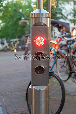 traffic light for bicycles