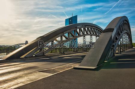 bridge in frankfurt