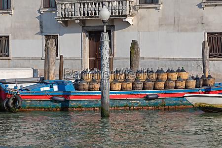 wine transport venice