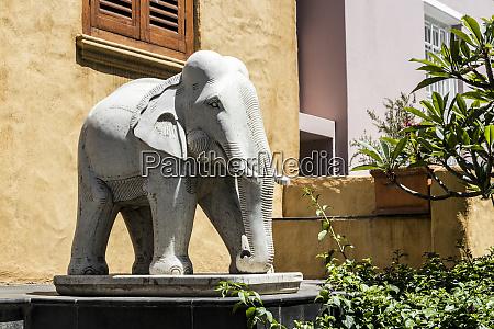 african elephant figurine replica statue cape