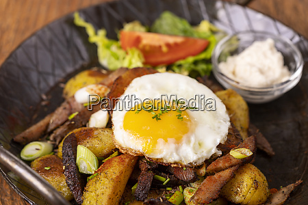 tyrolean potato groestl in a pan