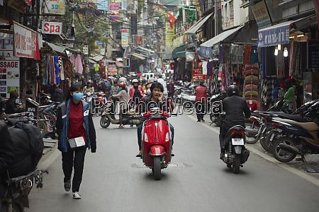 busy street scene old quarter hanoi