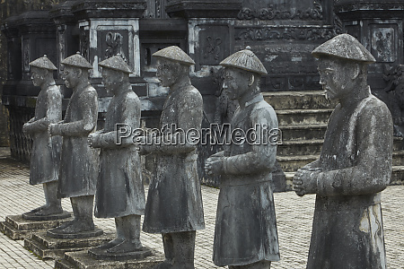 stone mandarin honor guards at tomb