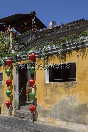 door decoration hoi an vietnam