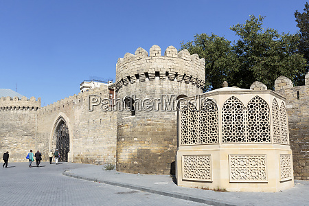 azerbaijan baku tourists heading to the