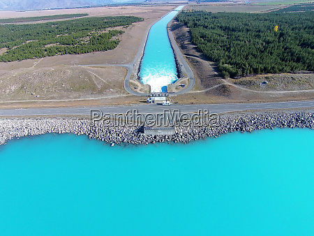 lake pukaki state highway 8 across
